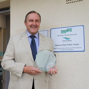 Councillor Martin Foster with the Award at Queens Park, Mablethorpe